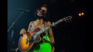ASA - MOVING ON (LIVE PERFORMANCE)