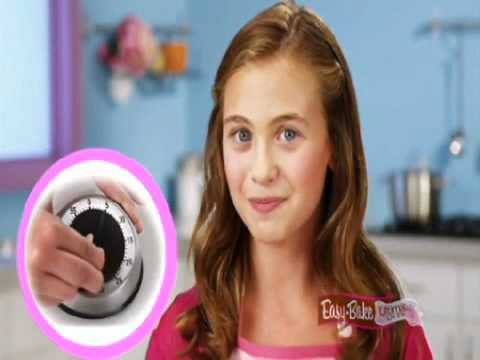 Easy-Bake Ultimate Oven (2011) - Baking Red Velvet Cupcakes