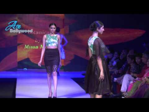 Sexy Hot Indian Models Walks At Madame Style Week 9 video