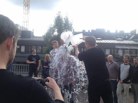 SLOW MOTION - Stardoll's Ice bucket challenge!