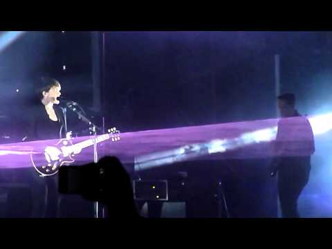 "The xx ""Shelter"" excerpt - Night + Day - Berlin"