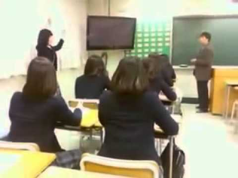 Korean High School Girls Dancing During The Class video