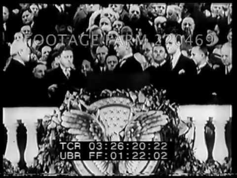 President Roosevelt Dies Suddenly 220469-15