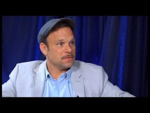 Show People with Paul Wontorek Interview: Norbert Leo Butz of