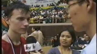 IAMTF MM-kisat  1999  sarjan 57kg palkintojenjako ja Jesse Valon haastattelu Thaimaan tv:hen