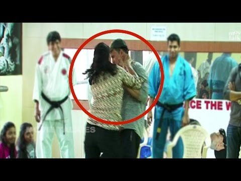 Akshay Kumar Beaten By Woman In Public | Self Defense