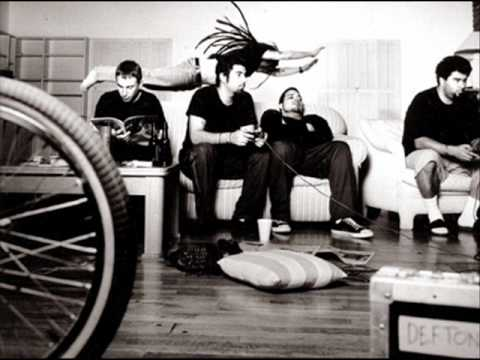 Deftones - Boy's republic (rare acoustic instrumental)