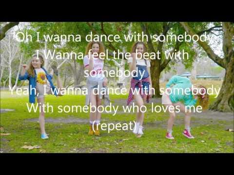 Haschak Sisters - I Wanna Dance (Lyrics)