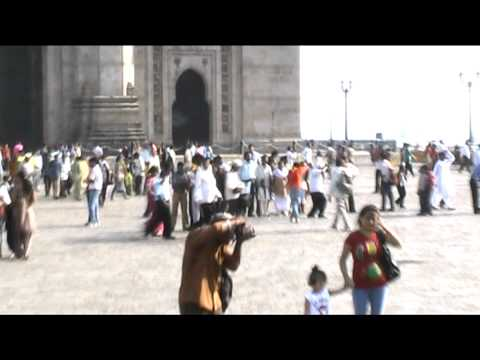 Bombay. Gateway of india. india travel video. traveleleven.com