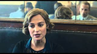 The Danish Girl // Clip - Gerda meets Hans in café (OV)