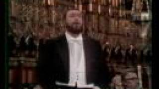 Watch Luciano Pavarotti Ave Maria video