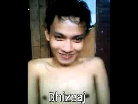 video Dhizeaj singing sapu tangan merah by yus yunus