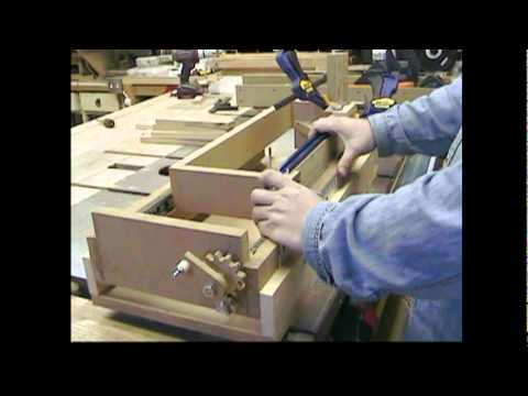 Amazing Homemade Lead Screw Box Joint Jig Machine -Woodworking With Stumpy Nubs #13