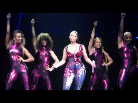 Nicki Minaj - Super Bass - The Pink Print Tour - Stockholm 16 3-2015 video