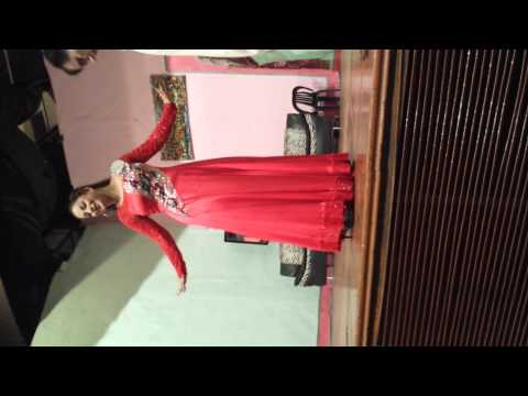 Nida Ch Teachs How To Dance At Mehfil Theater video