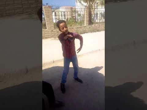 احلي رقص شعبي للطفل عمر الموهبه الرائعه thumbnail