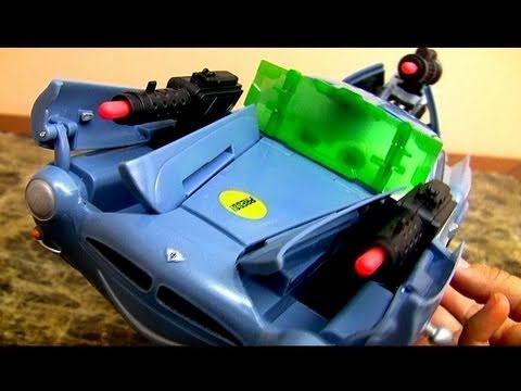 Secret Spy Attack Finn McMissile CARS 2