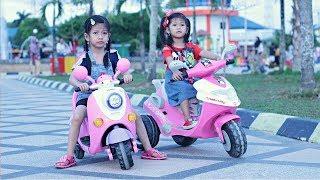 Hana Naik Sepeda Motor Listrik 🏍  Naik Motor Skuter Anak | Permainan Anak Motor Aki