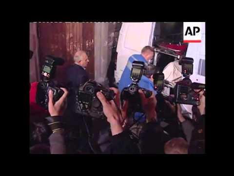 +4:3 Ex-policeman on trial in Politkovskaya murder, family reacts