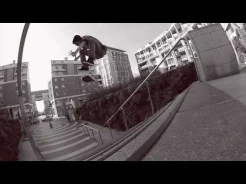 Seb Simon - Kickflip 17 Stairs