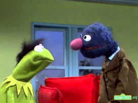 Classic Sesame Street - Grover Gives Kermit a Hair Piece