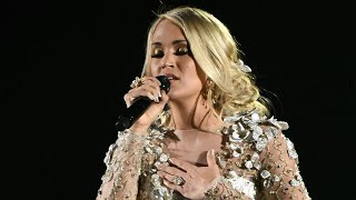 Download Lagu Carrie Underwood Gets Choked Up During Emotional Musical Tribute to Las Vegas Shooting Victims Gratis STAFABAND