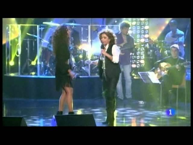 Lolita y Rosario cantan