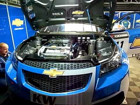 WTCC  2009   Robert Huff  Chevrolet Cruze   Maintenance