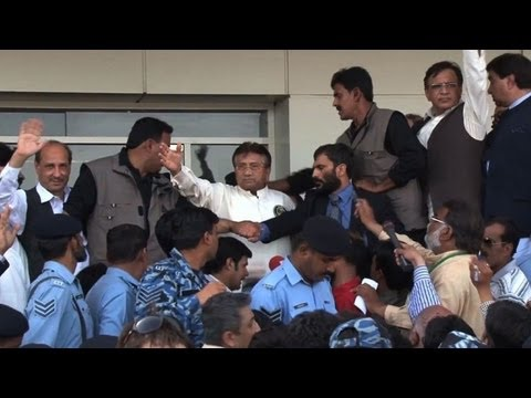 Musharraf vows to 'save' Pakistan on return from exile