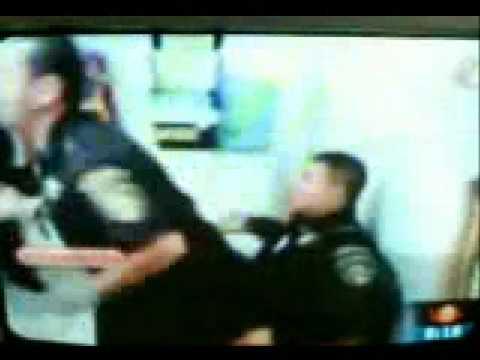 policias bailando lo mejor el sonidito