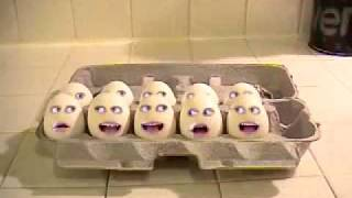 Hilarious Screaming Eggs!