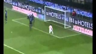 Julio Cesar goalkeeper amazing triple save.
