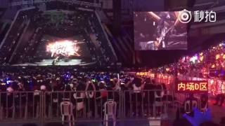 Vương Tuấn Khải solo chơi nhạc rock