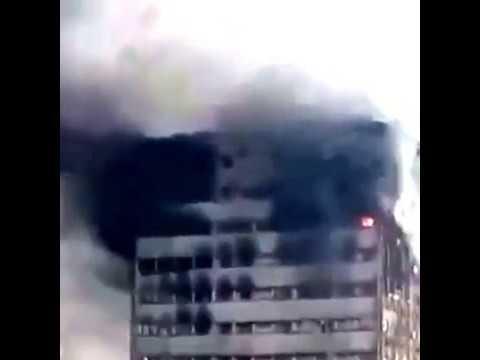 Irán: Colapsó un edificio en llamas y deja varios heridos