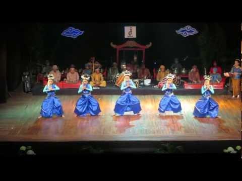 Putri Pamayang rawayan jugala Fest.2013 video