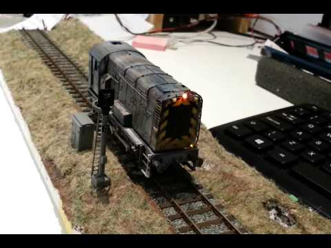 Custom dcc light fitted Hornby class 08 industrial shunter