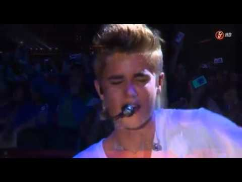Justin Bieber - Never Let You Go & Favorite Girl(concierto Zocalo Mexico 2012 Part 3-5) video