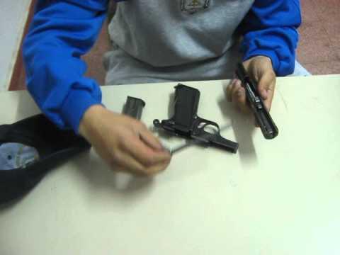 armar y desarmar una pistola