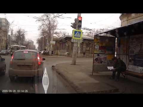 машина въехала в остановку в Самаре 09.04.13