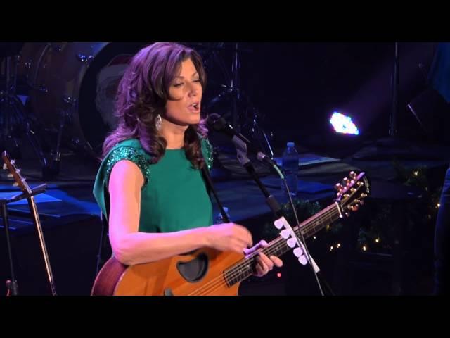 Amy Grant at the Ryman, I Need a Silent Night