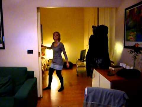 Ona's Risky Business dance scene