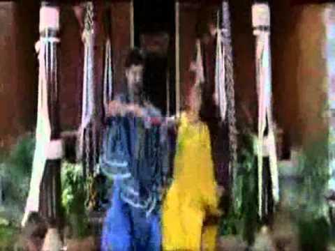 S.j.surya Catching Malavika Boobs video