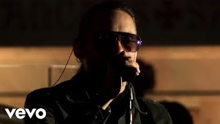 Клип 30 Seconds To Mars - Kings & Queens (live)