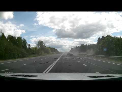 Женщина погибла в аварии на трассе под Вологдой