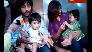 Hiten & Gauri introduce their twins, visit Lalbaugcha Raja