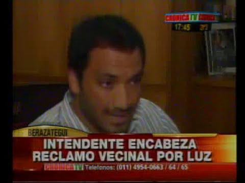 El Intendente de Berazategui encabeza reclamo vecinal contra Edesur. Crónica tv