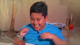 Conheça o garotinho da frase famosa: 'Malhou, comeu'