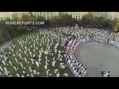 Organizan performance contra el aborto durante visita de Michelle Bachelet al Vaticano