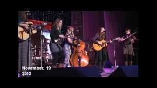 "Janna and ""Della Mae"" female bluegrass band in Uzbekistan (19.11.2012)"