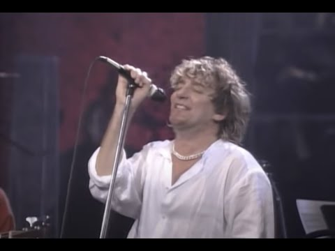 Rod Stewart – Stay With Me (Official Live Video)